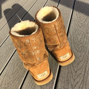 UGG suede boots with gold details